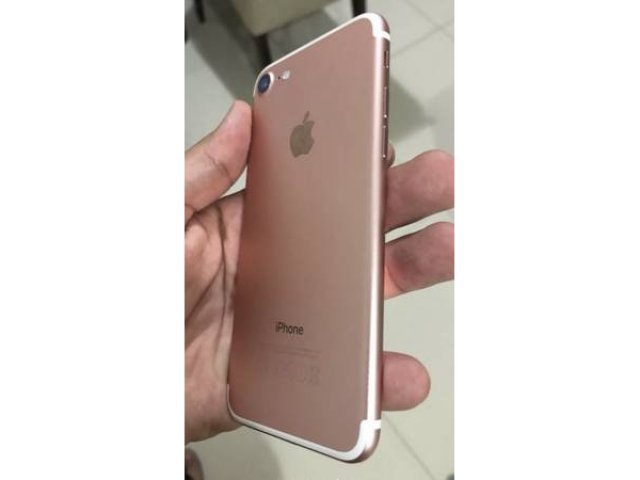 For Sale - iPhone 7 32GB Metro PCS /T-mobile like new condition Free Case